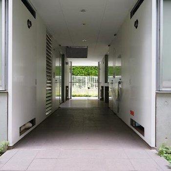 玄関前の空間もこんなにゆったり!