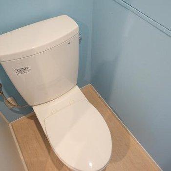 トイレのクロスはブルーをチョイス♪