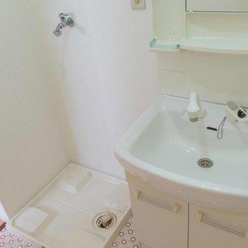 棚が有効に使える洗面台