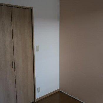 洋室側でロールカーテンを閉めてみました!