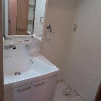 洗面台と洗濯機置き場になります!