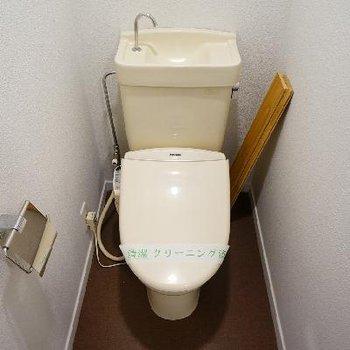 トイレは個室でウォシュレット付き!