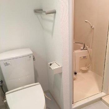 トイレとお風呂の距離感はこんな感じ。