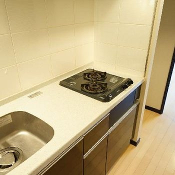 キッチンは2口ガスで使い勝手も◎