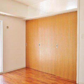 間仕切り扉をしめるとこんな感じ。