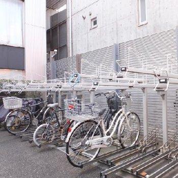 駐輪所は屋根なし