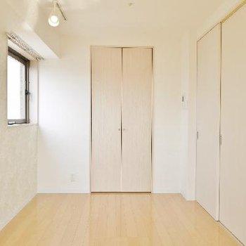 キッチンの扉はしめることもできますよ。※写真は前回募集時のものです