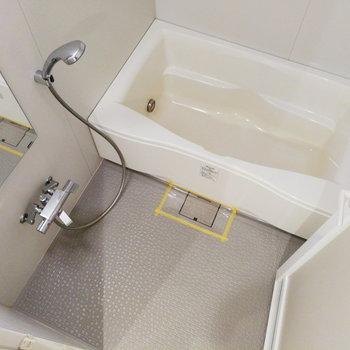 お風呂も良い広さ!ゆったり浸かれます