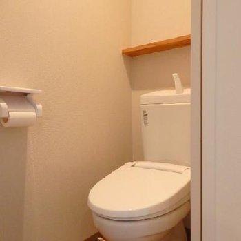トイレはウォームレット付きです