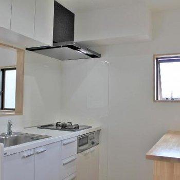 充実設備のキッチン。