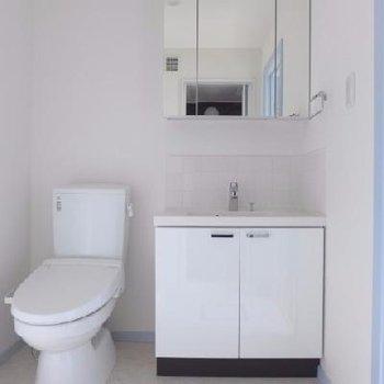 トイレと洗面台は同じ空間