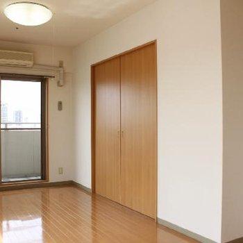 引き戸を締めると空間をしっかり分けることができます。