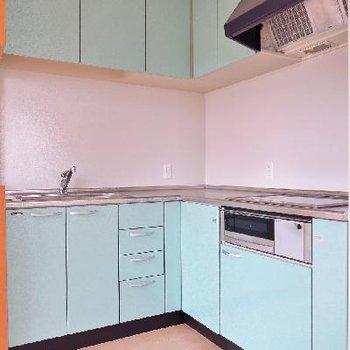 キッチンは爽やかブルー!