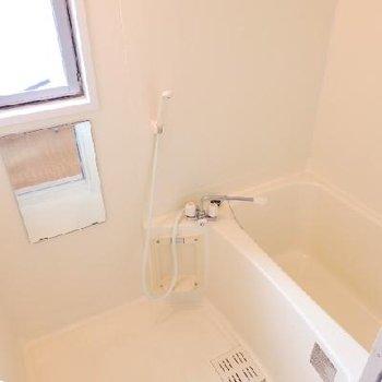 窓付きのお風呂は角部屋の特権