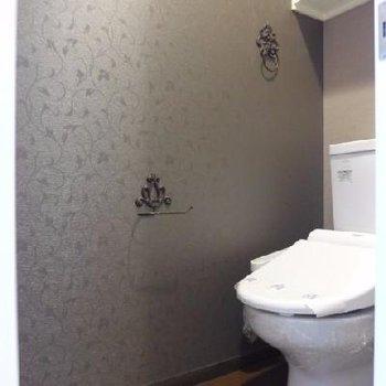 小物が可愛いトイレ