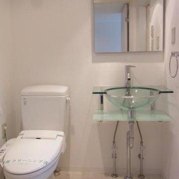爽やかな洗面スペース※写真は別室