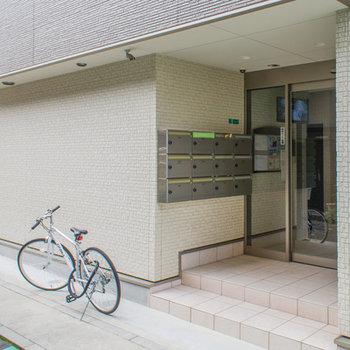 建物の玄関入り口