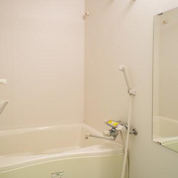浴室乾燥機がついています♪