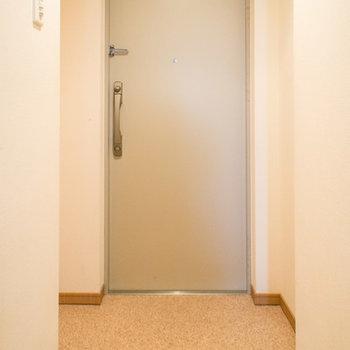 玄関も広々!