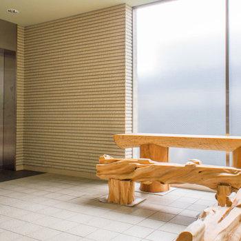 待合スペースのあるエレベーターホール