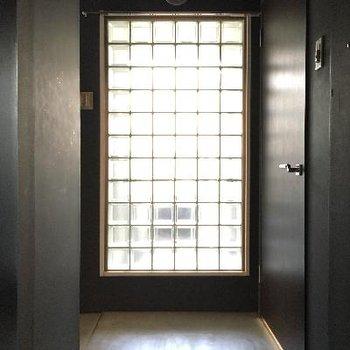 玄関を開けるともうオシャレ!※写真は前回募集時のものです
