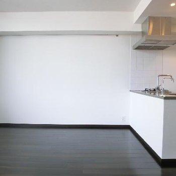 対面式キッチンが映える。
