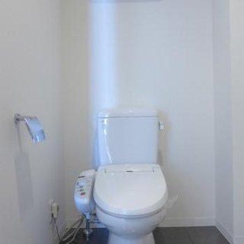 トイレはもちろんウォシュレット!※写真は別部屋