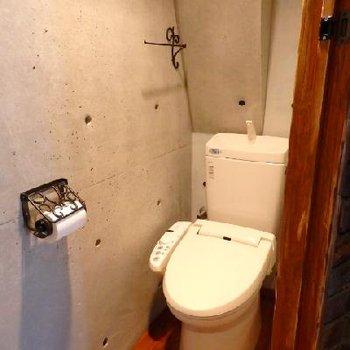トイレも同じくすごい雰囲気