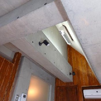 天井も梁が巡らされていてカッコいい!