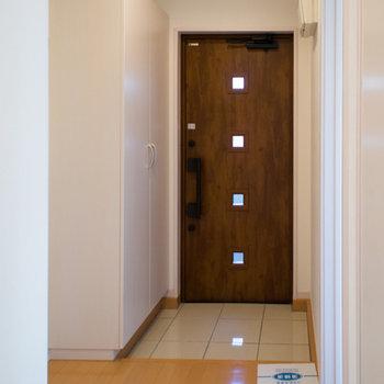 玄関の鍵は二ヶ所にあって安心