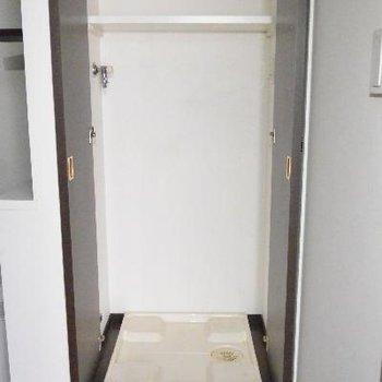 洗濯機は隠れます※画像はクリーニング前のものです