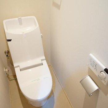 トイレもウォシュレットついてます!