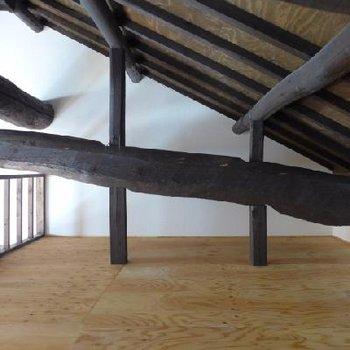 屋根の勾配と梁がすごいの