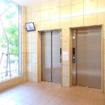 エレベーターは2基あるので混雑することはありません