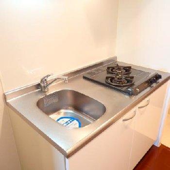 キッチンはガス2口でお料理できます