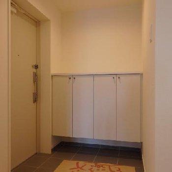 1号タイプは広めの玄関がポイント※写真は別部屋