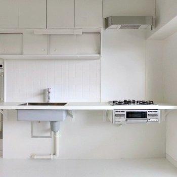 キッチンは3口ガスコンロ