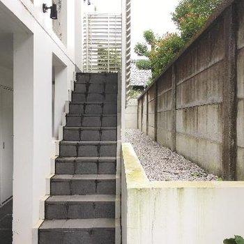共用部2。階段などもおしゃれですね!
