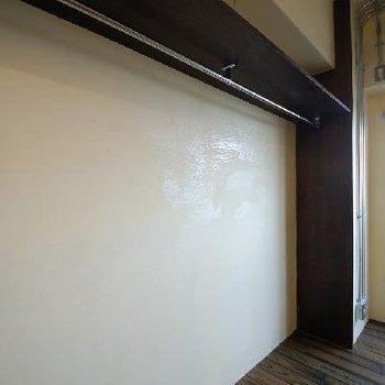 他とはちょっと違う白い壁がいいアクセントに