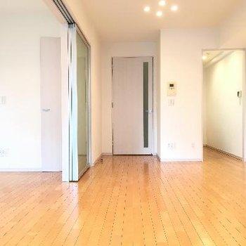 お部屋はかなり広くスペースがあります。