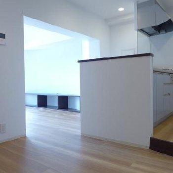 キッチン横にもスペースあります。