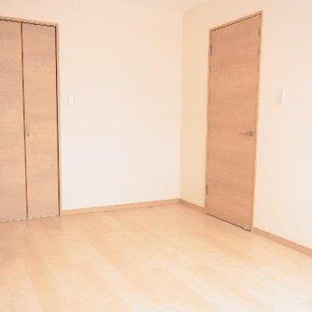 6帖の洋室は寝室としていかがですか?