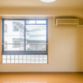 寝室の大きな窓!!