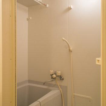 浴室乾燥機付きで湿気対策もバッチリ♪