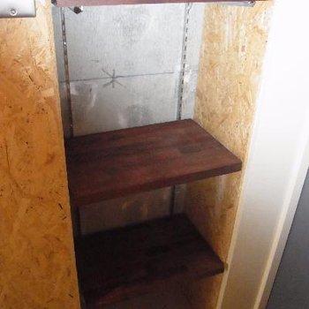 玄関横の収納スペース。