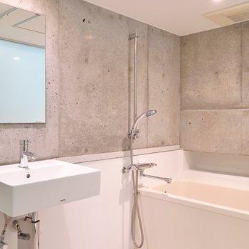 バスルームはアメリカン。