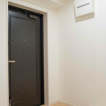 玄関が広くゆったりです