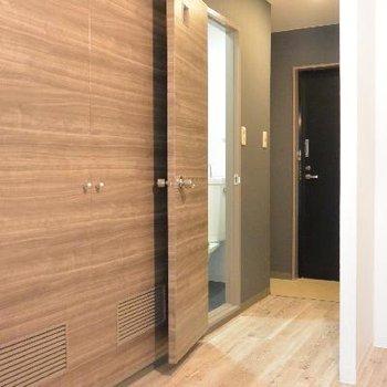 トイレの扉、全開きが素敵