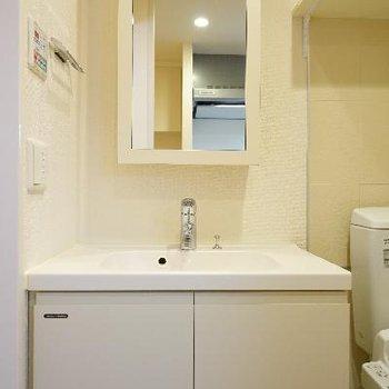 洗面台もしっかり独立してます!