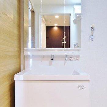 独立洗面台はこちらに。